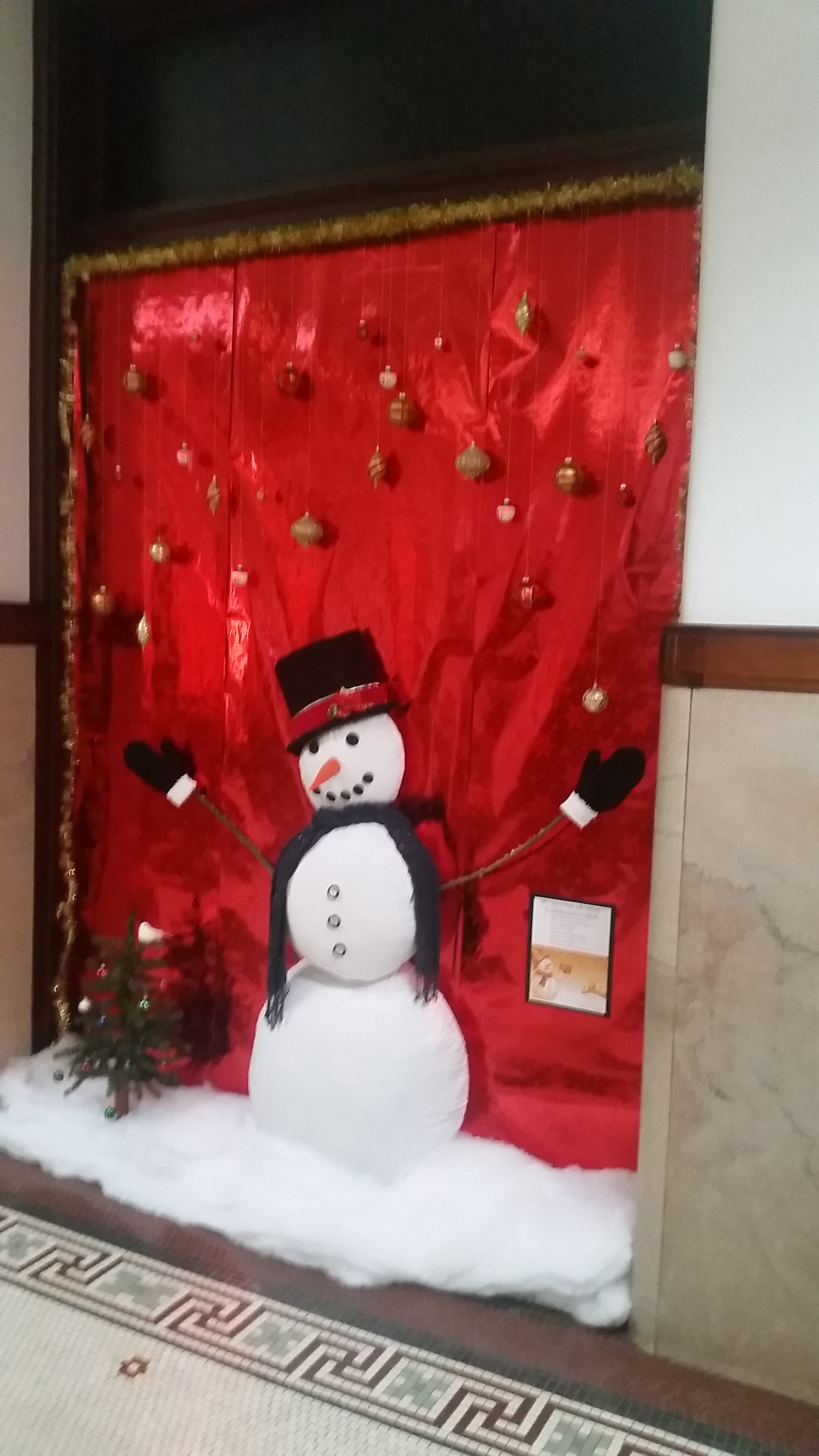 Picture of the snowman outside courtroom B