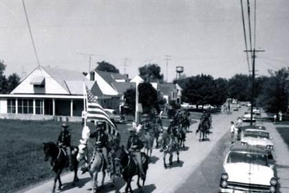 Mounted deputies on parade
